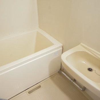 お風呂もシートと水栓を交換!