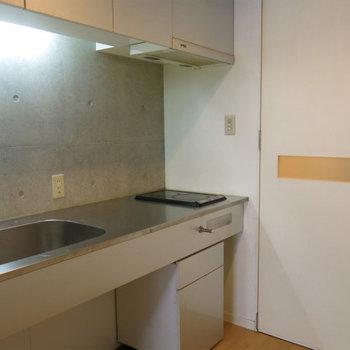 キッチンはIHに変更可能のようです! ※写真は別部屋です