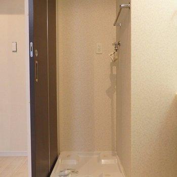 洗濯機置き場はもちろん室内。※写真は前回掲載時のものです。
