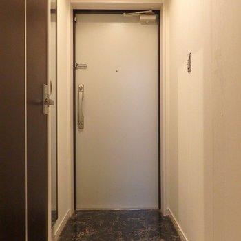 玄関横にはシューズボックスもあり。※写真は前回掲載時のものです。