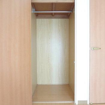 収納小さくない?って思ったら・・・※写真は別室です。