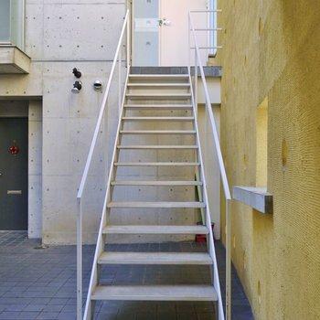 お部屋に繋がる専用の階段