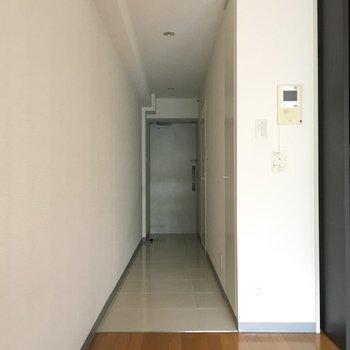 長い廊下にワクワク