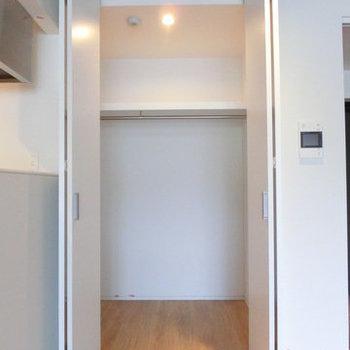 高さのある収納。※写真は別部屋