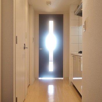 光の刺す方へ。※1101号室の写真