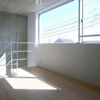 2階に上がると・・(写真は別部屋です)