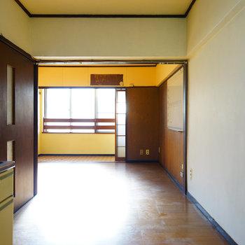 キッチンとリビングにはアーチの仕切りを※写真は工事前です