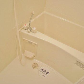 お風呂もキレイ※写真は同タイプの別部屋です