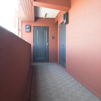 今回紹介するお部屋は右奥にあります。