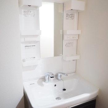 立派な洗面台