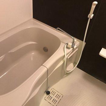 お風呂は乾燥機付※写真は前回募集時のものです