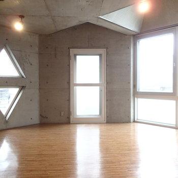 ○△□の部屋