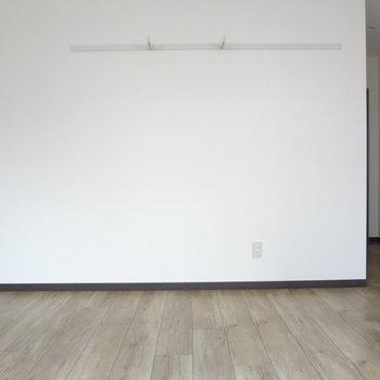 床がいい味だしてるお部屋です。