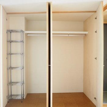 こちらは奥行きのある収納です。※写真は6階同じ間取り別部屋のものです