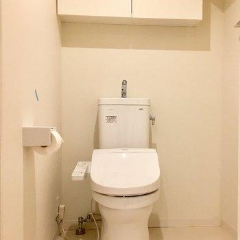 トイレは広いんです。※クリーニング前です