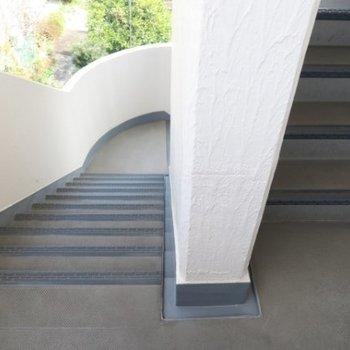 階段で2階まで!