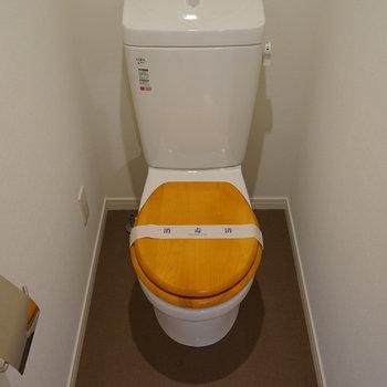 トイレには木製便座を※写真はイメージです