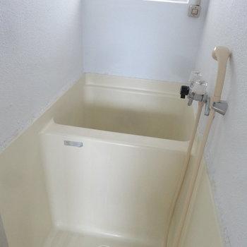 お風呂はコンパクトサイズ!