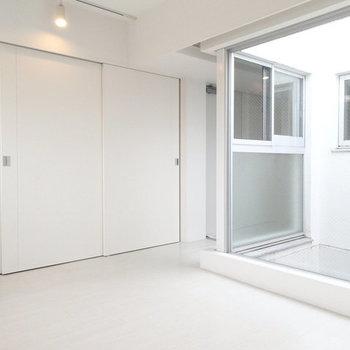 雰囲気にあった家具を用意したいですね。※写真は2階の反転間取り別部屋