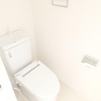 トイレももちろん新品!