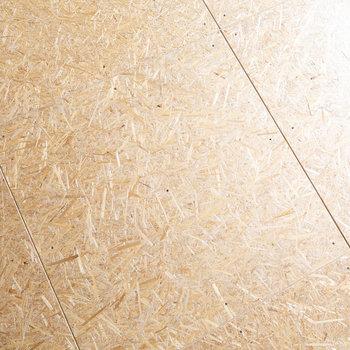 キッチンの床は、MUJI×UR 共同開発商品の麦わらパネル。環境に配慮された素材です