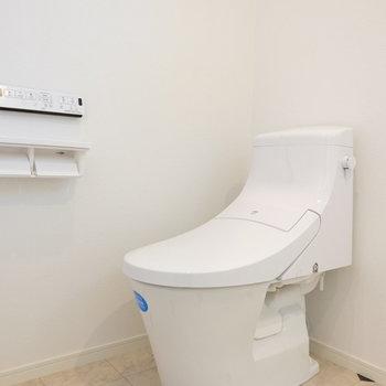 トイレは最新型!