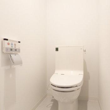 トイレは清潔感のあるウォシュレット