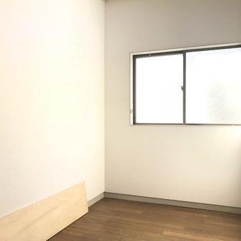 窓付き納戸です。書斎にも良さそう