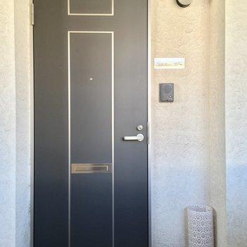玄関に傘立てが置いてあります。嬉しい・・!※写真は2階の別間取り別部屋です