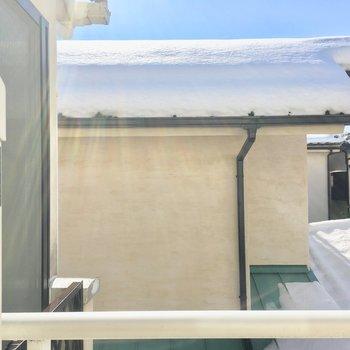 眺望は住宅街ですがそこそこ距離があるので◎※写真は2階の別間取り別部屋です