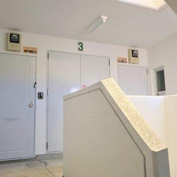 コの字型に4部屋並んでいました。