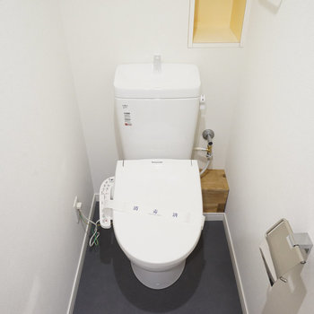 トイレは新品を設置!