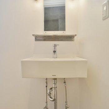 独立洗面台で毎日お洒落を♪※写真は前回掲載時のものです。