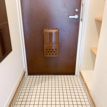 玄関もナチュラルな空間に♪※写真はクリーニング前のものです