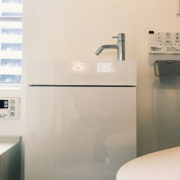 洗面台コンパクトだけどデザイン性ありますね