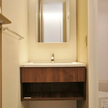 洗面台、デザインいいね!※写真は別室(301)