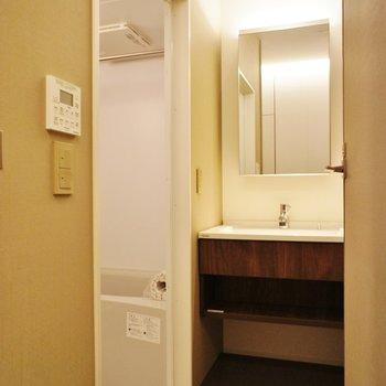 脱衣スペースもちゃんと※写真は別室(103)