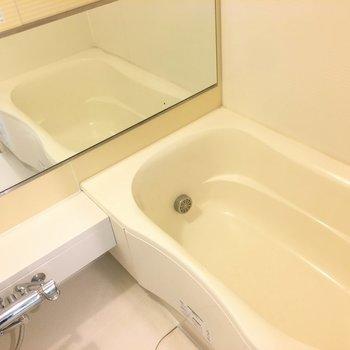 お風呂です。水回りは全てまとまって地下にあります。