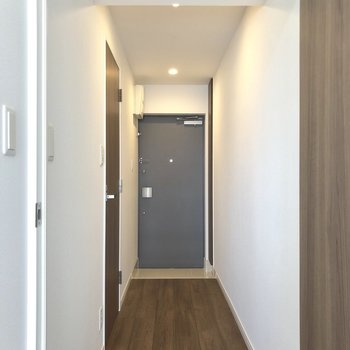 サニタリーへ。※写真は7階の同間取り別部屋のものです