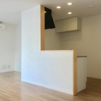 お部屋の中心にあるキッチンは対面式!