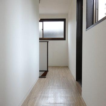 2階の廊下はこんな感じ。