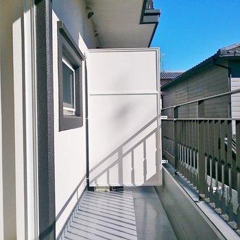 日当たり良好ですね!※写真は2階の反転間取り別部屋のものです。