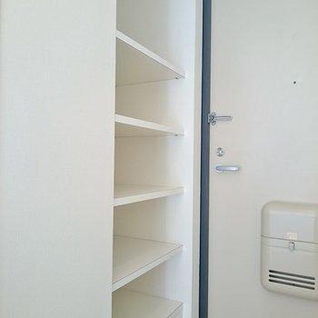 ココは靴箱です。※写真は2階の反転間取り別部屋のものです。
