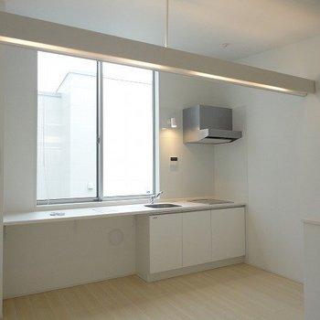 白を基調としたお部屋※写真は別部屋です。
