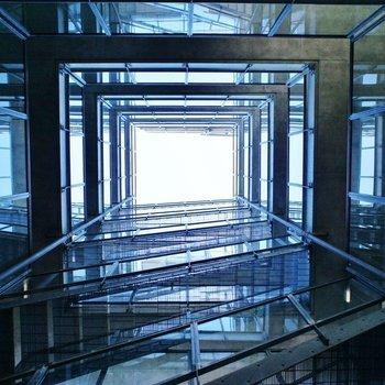 空中回廊の内観