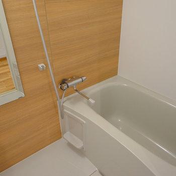 お風呂は新品追い焚き付き※写真はイメージです