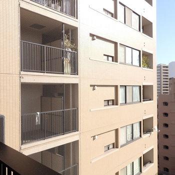 前はマンションですが8階なのでそこまで気になりませんでした。