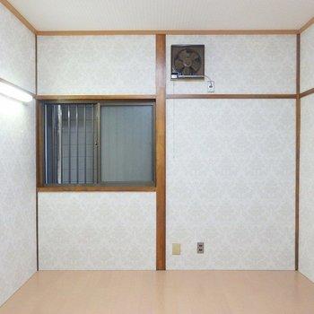 1階の洋室は団欒スペースに。