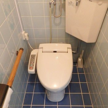 1階のトイレはウォシュレット。