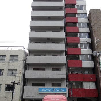 1階はクリーニング屋さん。